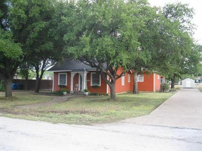 1405 W WILLIAMS ST, Breckenridge, TX 76424 - Photo 1
