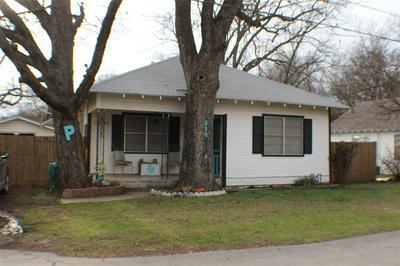 510 S MINTER ST, STEPHENVILLE, TX 76401 - Photo 1