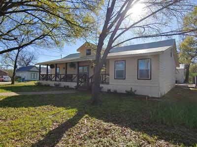 211 MCFALL ST, Whitesboro, TX 76273 - Photo 2