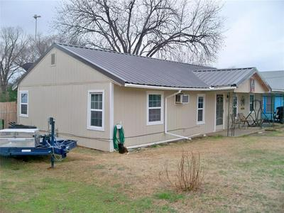 310 E 7TH ST, Coleman, TX 76834 - Photo 1