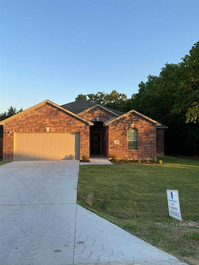 440 COLLIN ST, Nevada, TX 75173 - Photo 2