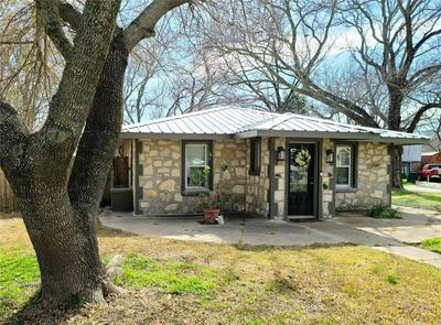 307 W LIVE OAK ST, DUBLIN, TX 76446 - Photo 1