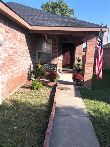 116 LIPAN ST, Greenville, TX 75402 - Photo 2