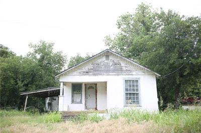 720 W HENRY ST, HAMILTON, TX 76531 - Photo 1