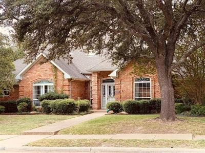 1801 TRIPLE CROWN LN, Plano, TX 75093 - Photo 2