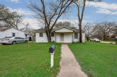 230 E THOMPSON ST, CORSICANA, TX 75110 - Photo 2