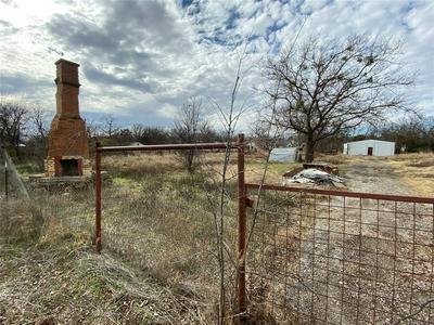 521 N 2ND ST, JACKSBORO, TX 76458 - Photo 2