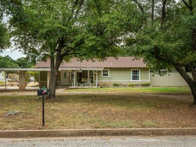 502 S HILLCREST AVE, Eastland, TX 76448 - Photo 1