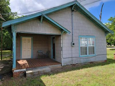 603 E HALL ST, Bangs, TX 76823 - Photo 1