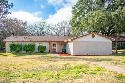 1302 E BOYNTON ST, Hamilton, TX 76531 - Photo 2