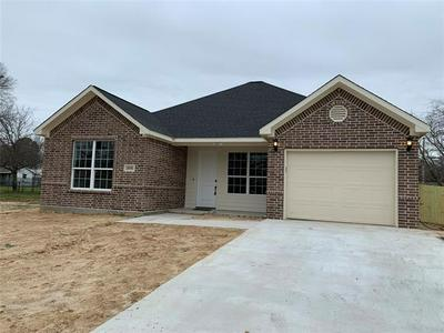 1800 CLEVELAND ST, Greenville, TX 75401 - Photo 2