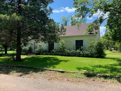 1611 JEFFERSON ST, Commerce, TX 75428 - Photo 1