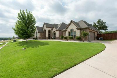 206 GOLDEN ARROW DR, Hudson Oaks, TX 76087 - Photo 2