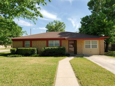 1009 TERRACE DR, Bangs, TX 76823 - Photo 1