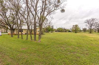 109 N MESQUITE ST, Tolar, TX 76476 - Photo 2