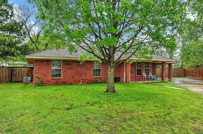 102 AMY CT, Collinsville, TX 76233 - Photo 2