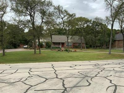 105 HOUSTON DR, Lake Kiowa, TX 76240 - Photo 1