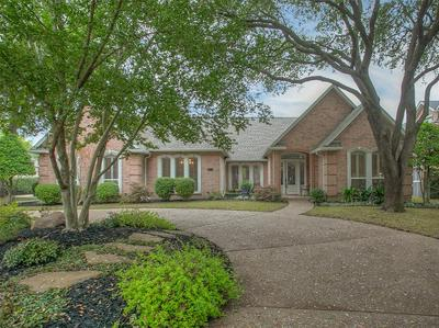 2712 HERITAGE HILLS DR, FORT WORTH, TX 76109 - Photo 1