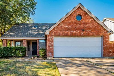 6016 HOLLYLEAF DR, Arlington, TX 76017 - Photo 1