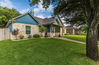 1407 N DAVIS ST, West, TX 76691 - Photo 2