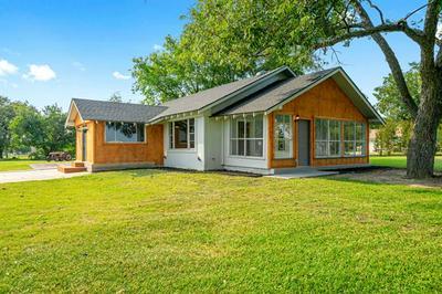 808 COMBINE RD, Seagoville, TX 75159 - Photo 1