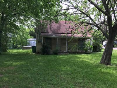 201 BROADWAY ST, Whitesboro, TX 76273 - Photo 2