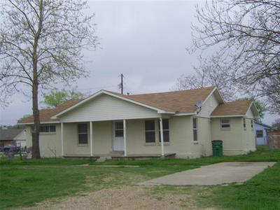 201 E TRUNK ST, Crandall, TX 75114 - Photo 1