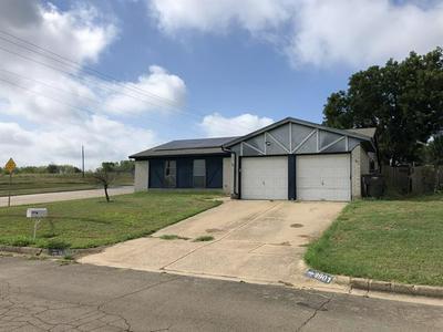 9901 ALEMEDA CT, Fort Worth, TX 76108 - Photo 2