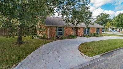 124 ROYAL LN, Commerce, TX 75428 - Photo 2
