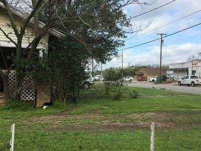 602 W CENTRAL AVE, COMANCHE, TX 76442 - Photo 2