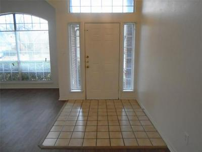 320 PEBBLEBROOK LN, Glenn Heights, TX 75154 - Photo 2
