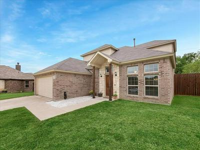 1813 CLEARBROOK LN, Corsicana, TX 75110 - Photo 1