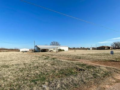 516 N VIVIAN AVE, Aspermont, TX 79502 - Photo 2