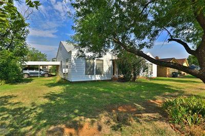 1401 AVENUE N, Anson, TX 79501 - Photo 2