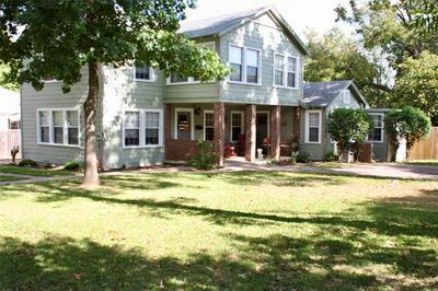 2208 VINCENT ST, Brownwood, TX 76801 - Photo 1
