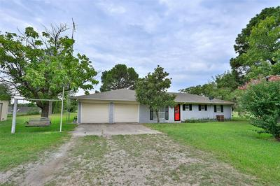 374 COUNTY ROAD 276, Gainesville, TX 76240 - Photo 2