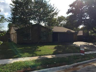 116 W WILLIAMSBURG MNR, Arlington, TX 76014 - Photo 1