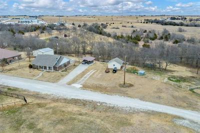 227 HILLCREST ST, Muenster, TX 76252 - Photo 2