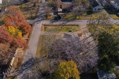 1700 S JEFFERSON ST, Kaufman, TX 75142 - Photo 2