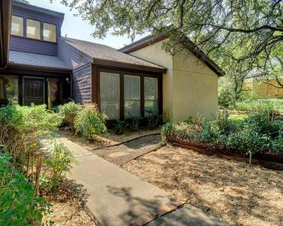 809 SCARLET SAGE CT, Fort Worth, TX 76112 - Photo 2