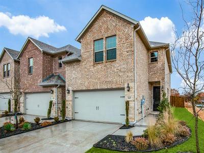645 HUTCHINSON LN, Lewisville, TX 75077 - Photo 2