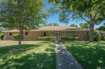1212 MARY ST, Clifton, TX 76634 - Photo 2
