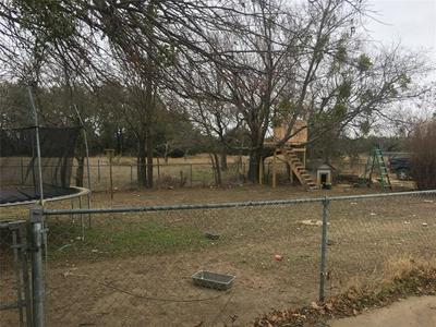 1105 E GENTRY ST, HAMILTON, TX 76531 - Photo 2