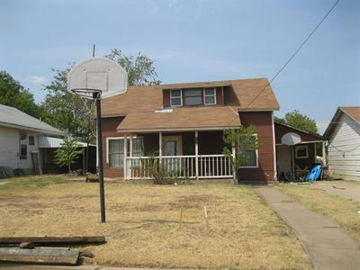 310 W 4TH ST, Breckenridge, TX 76424 - Photo 2