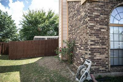 2907 CHANUTE DR, Grand Prairie, TX 75052 - Photo 2
