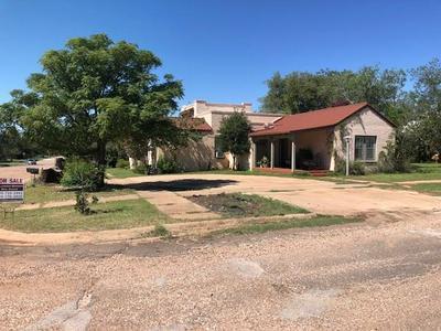 501 N MCKINLEY AVE, ROTAN, TX 79546 - Photo 2