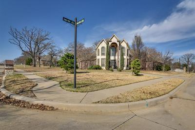 1161 FALCON VIEW DR, KENNEDALE, TX 76060 - Photo 2
