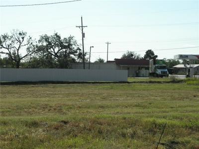122 S ACCESS RD, Tye, TX 79563 - Photo 1