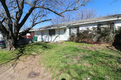 671 S FIFTH AVE, STEPHENVILLE, TX 76401 - Photo 2