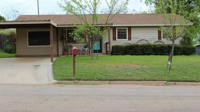 908 W 3RD ST, COLEMAN, TX 76834 - Photo 1